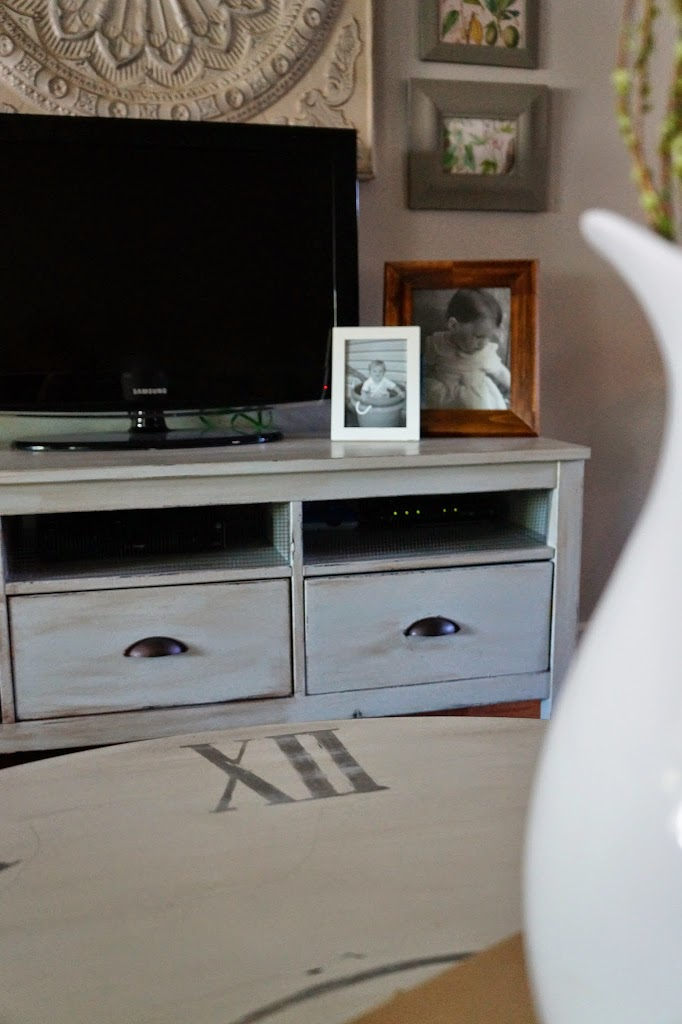 Country TV Stand Makeover