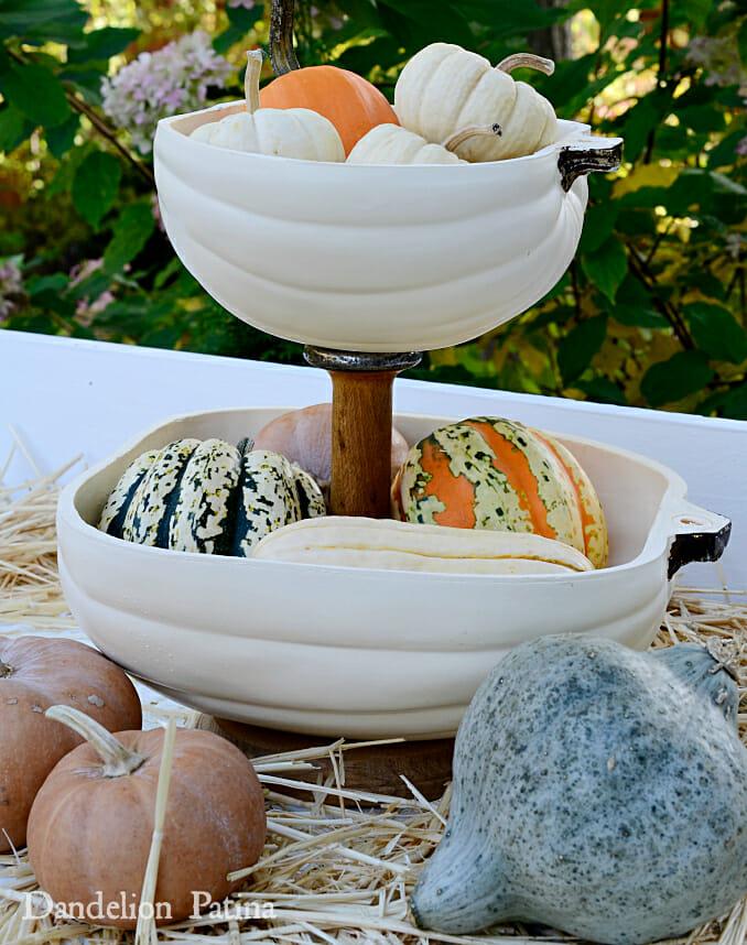 farmhouse-style-pumpkin-tiered-tray