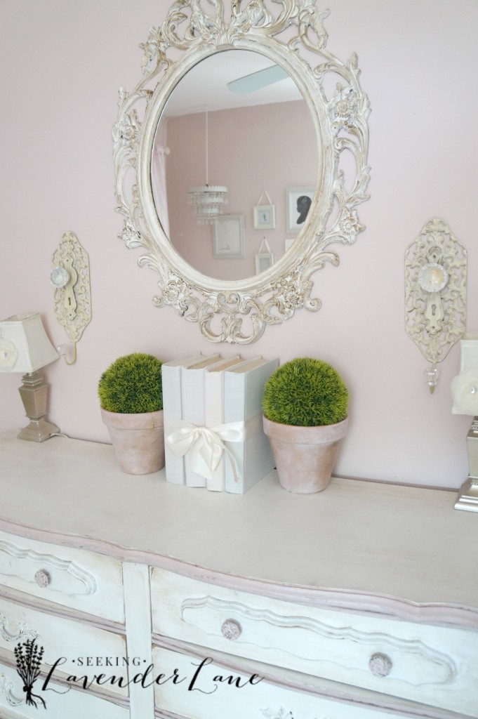 pink vintage girls room 15