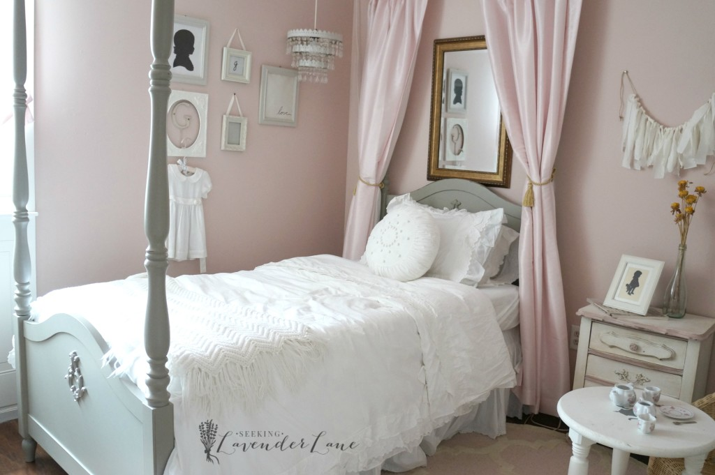 pink vintage girls room 8