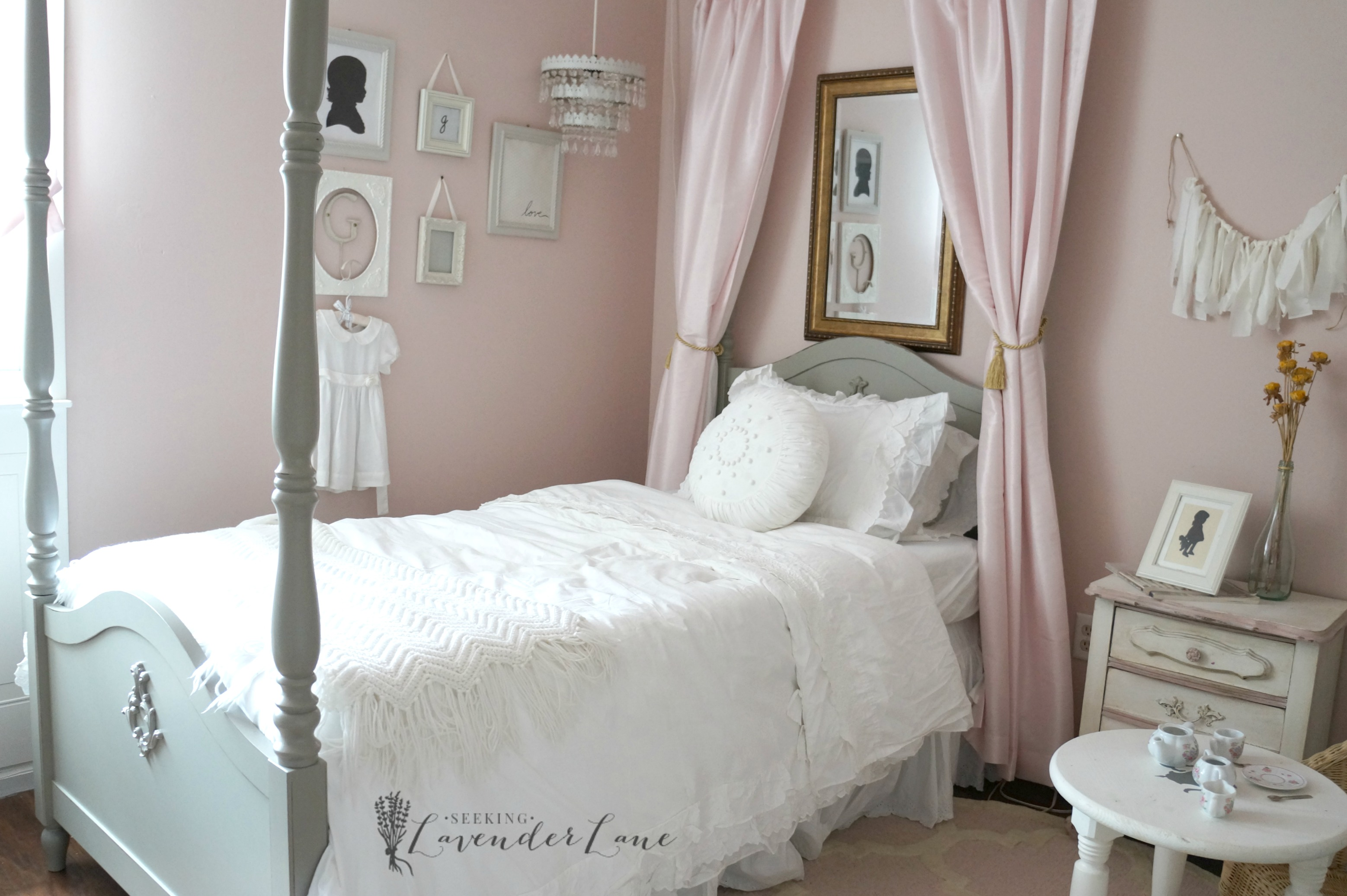 Pink Vintage Girl\'s Bedroom - Seeking Lavendar Lane
