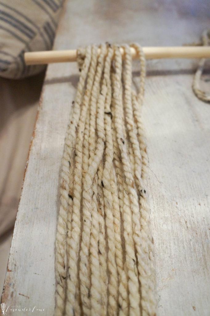 diy-wall-yarn-hanging-3