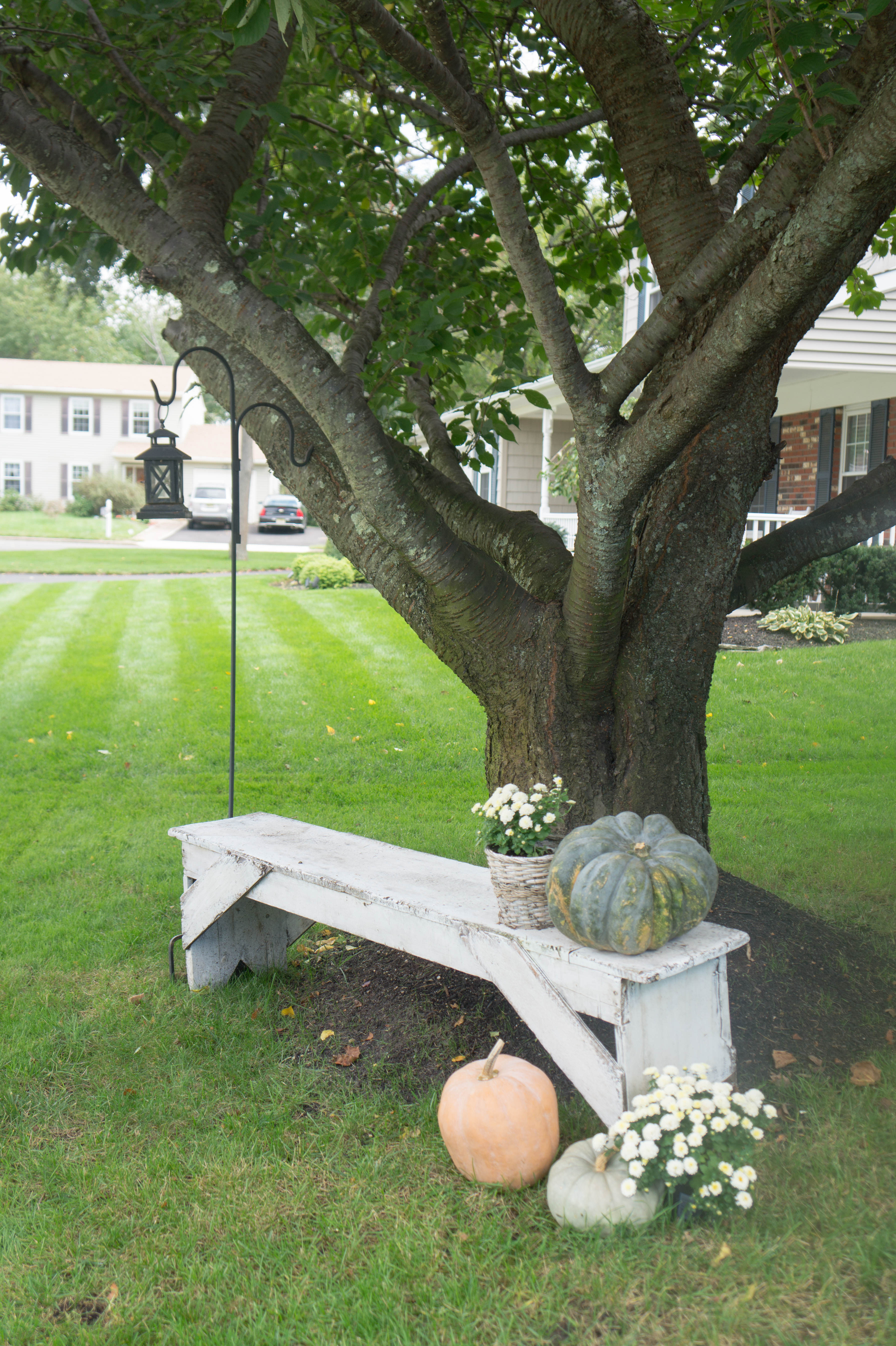 farmhouse-fall-front-porch-4
