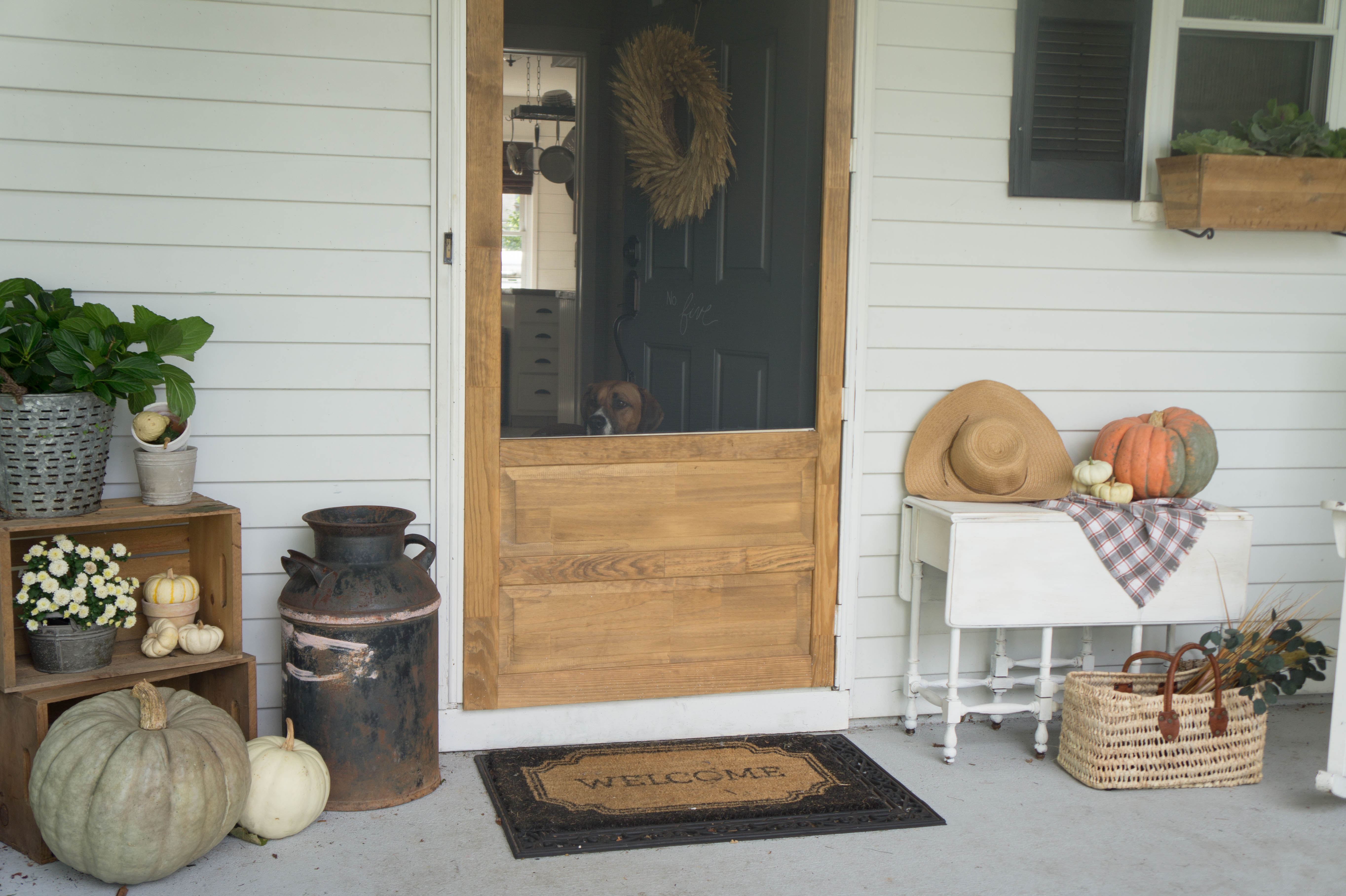 farmhouse-fall-front-porch-8