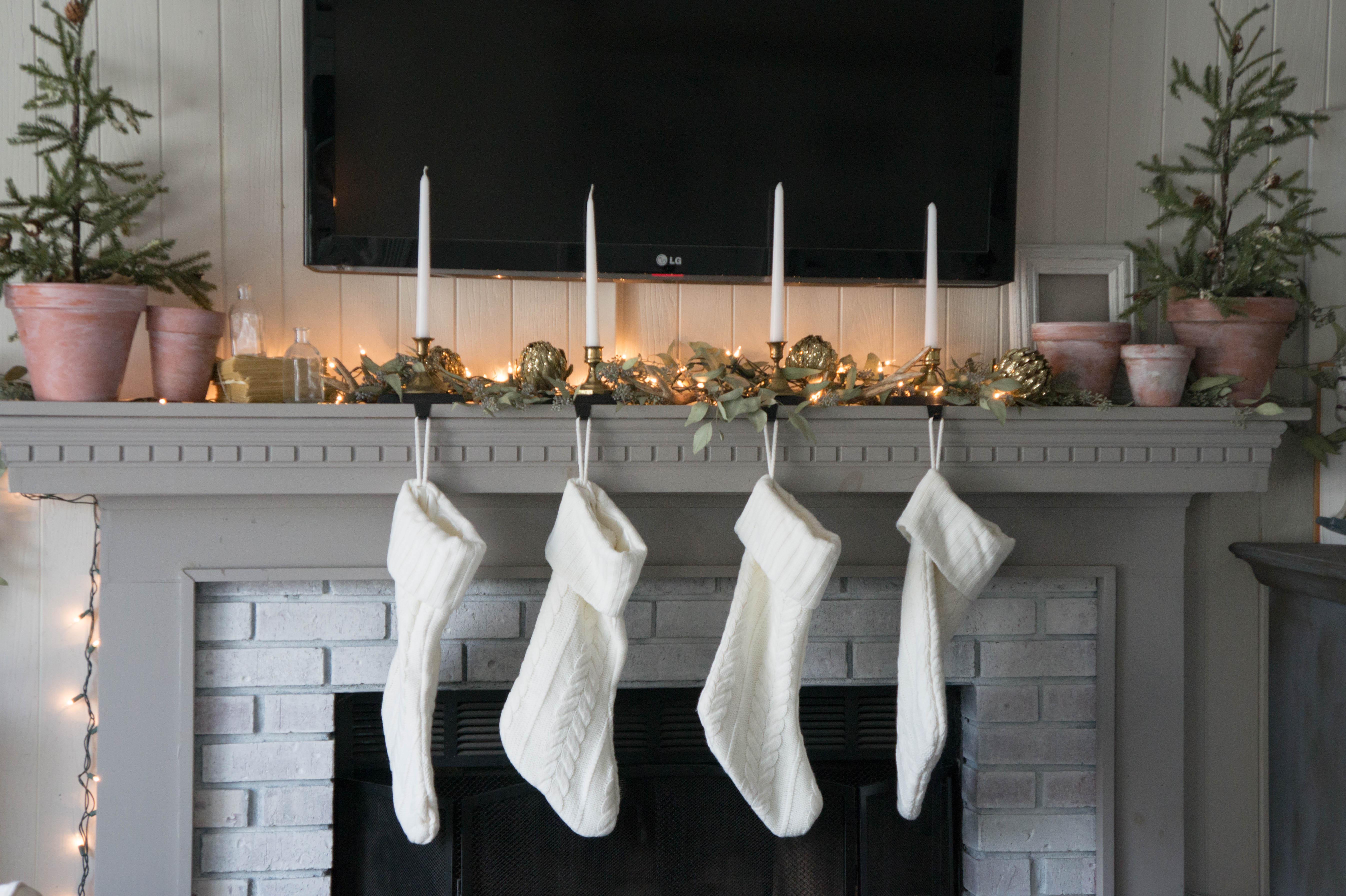 christmas-mantel-1-2
