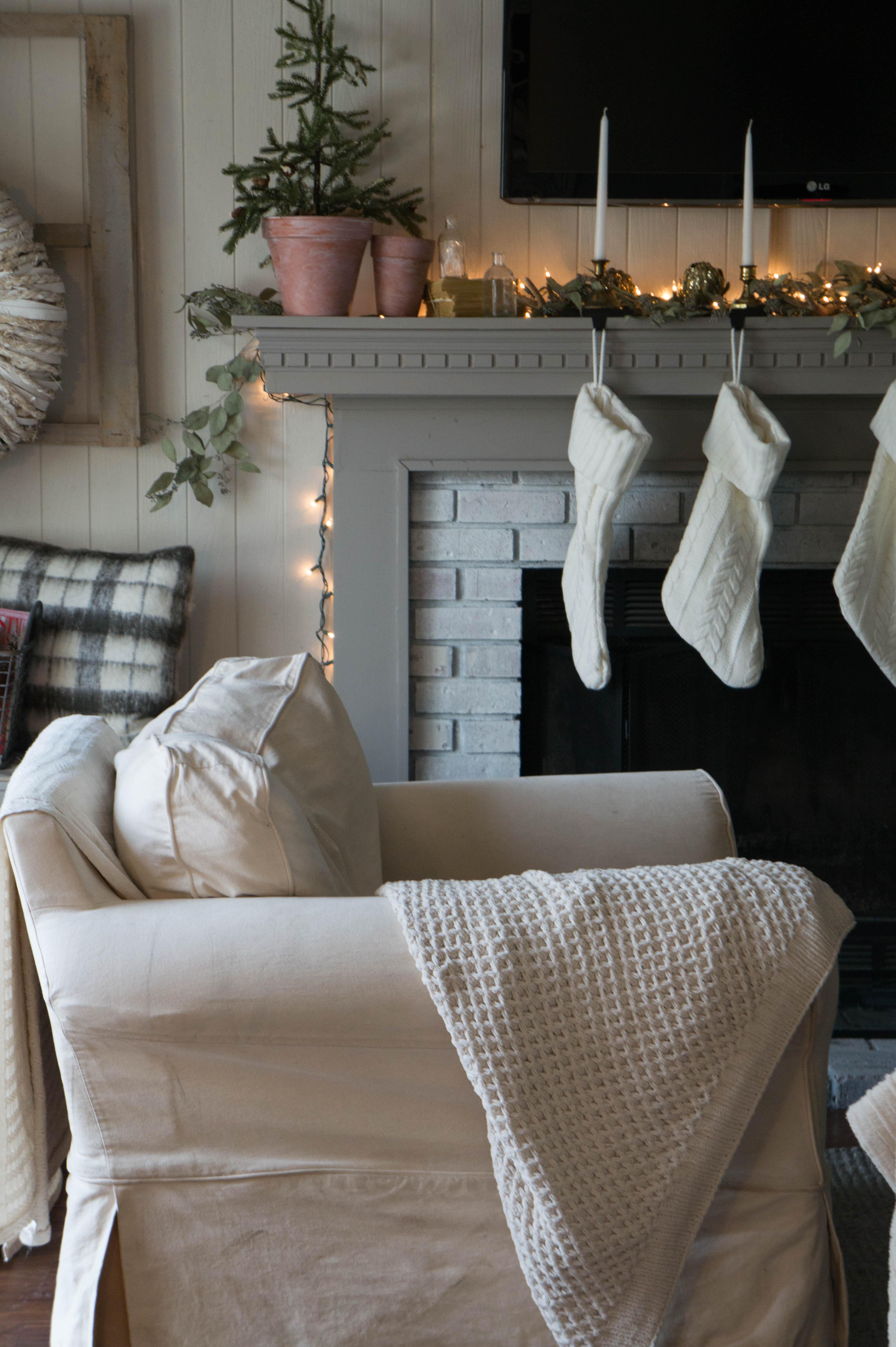 christmas-mantel-2