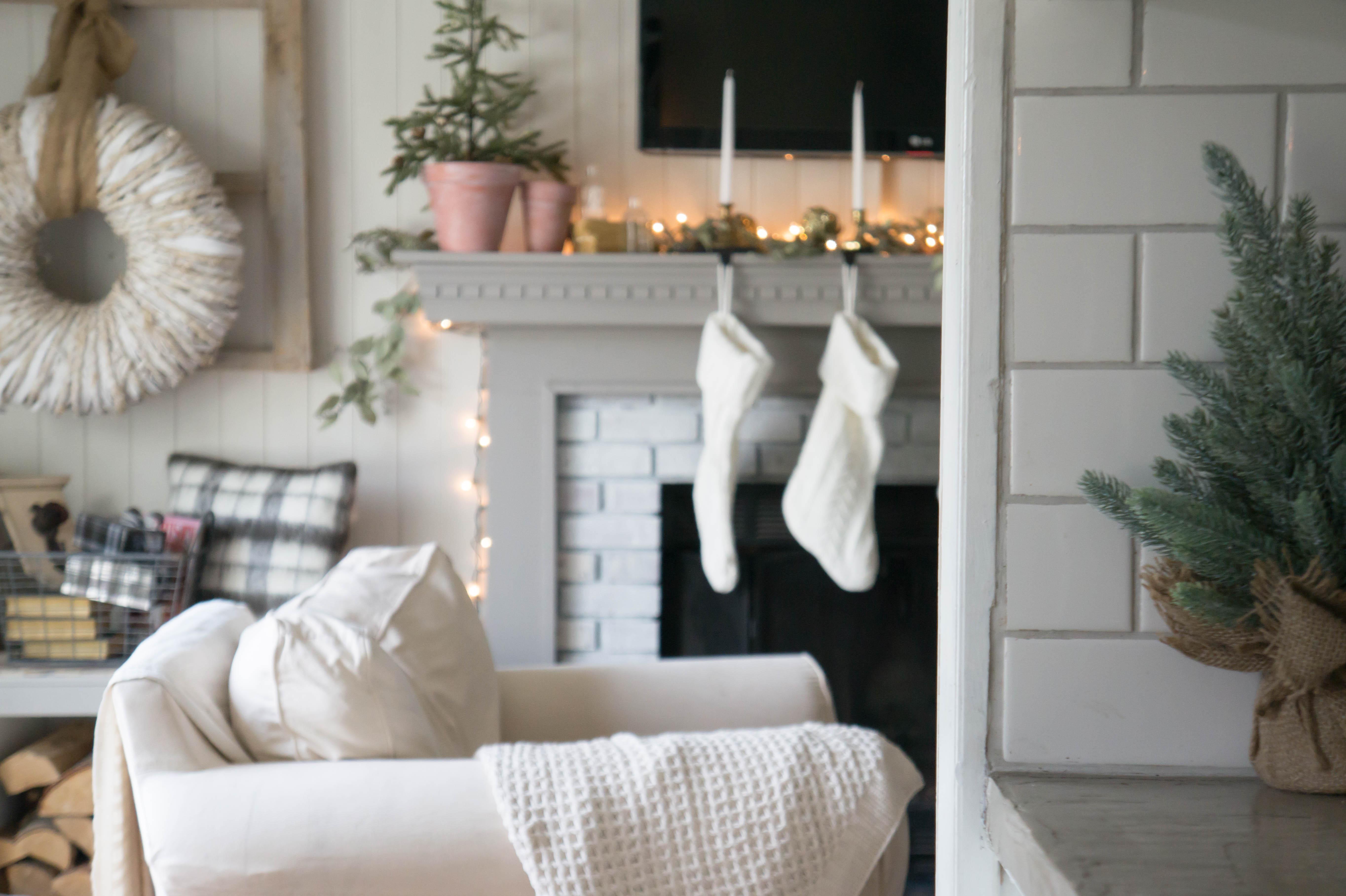 christmas-mantel-4