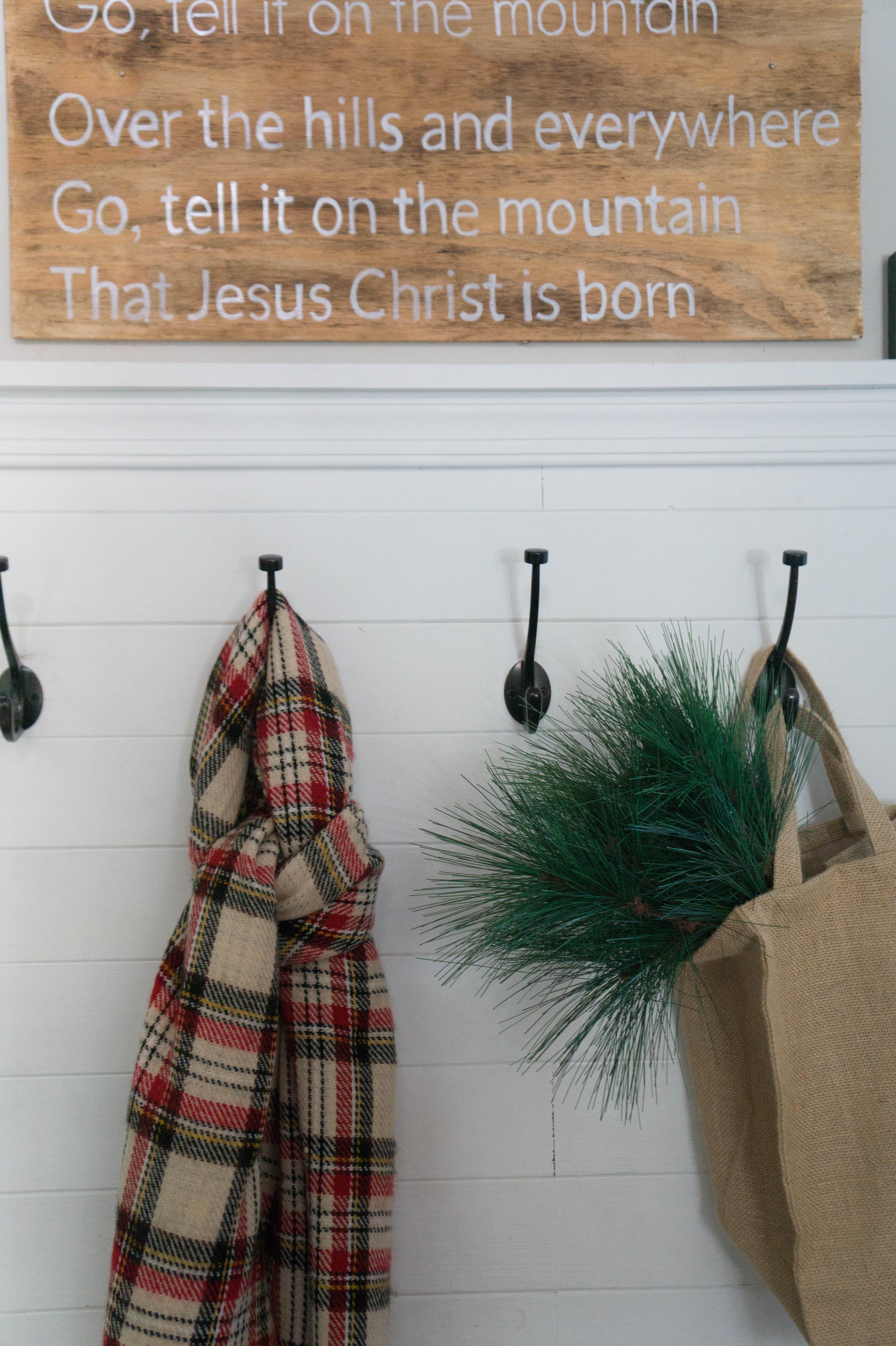 farmhouse-christmas-home-12