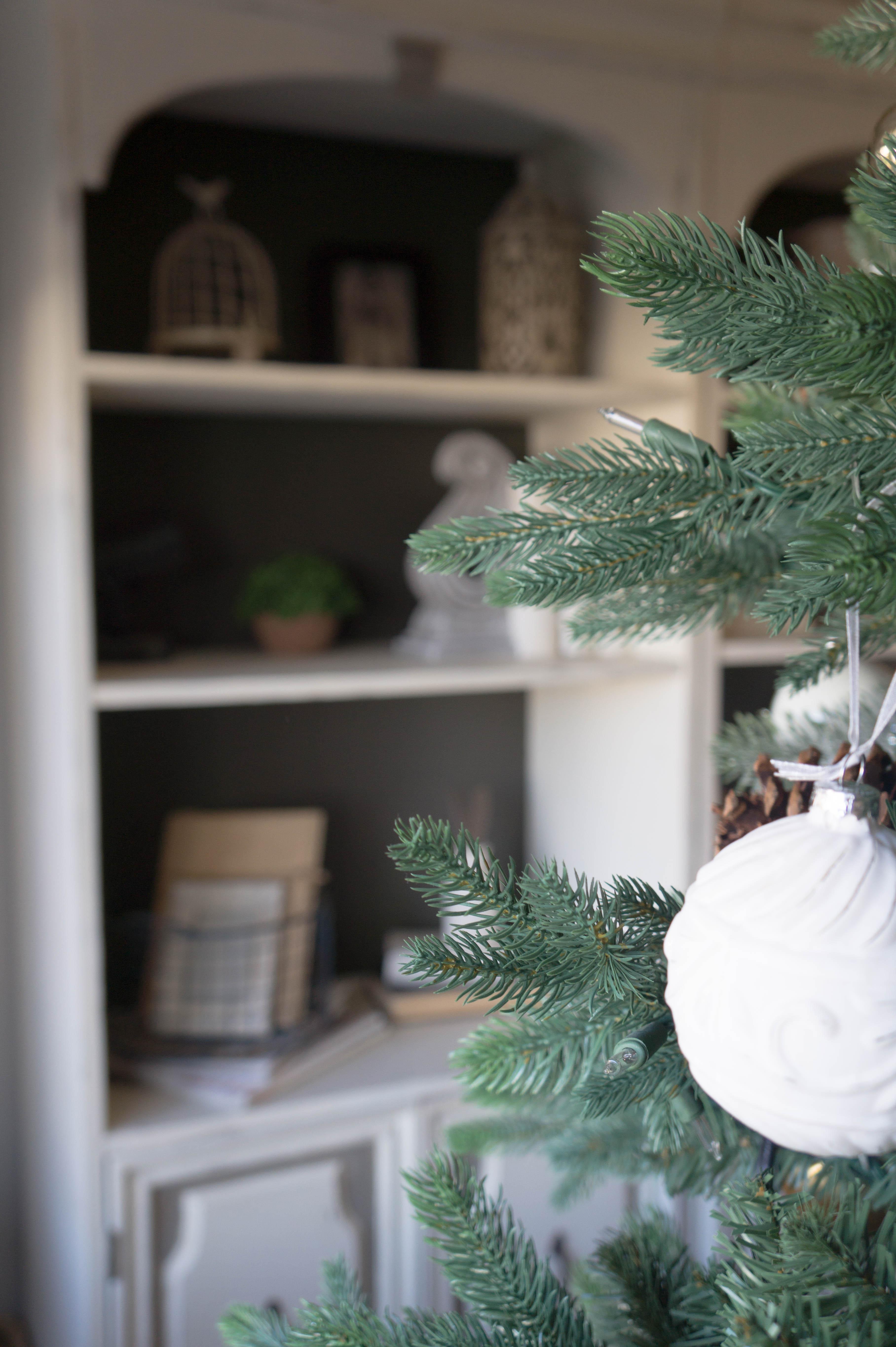 farmhouse-christmas-home-13
