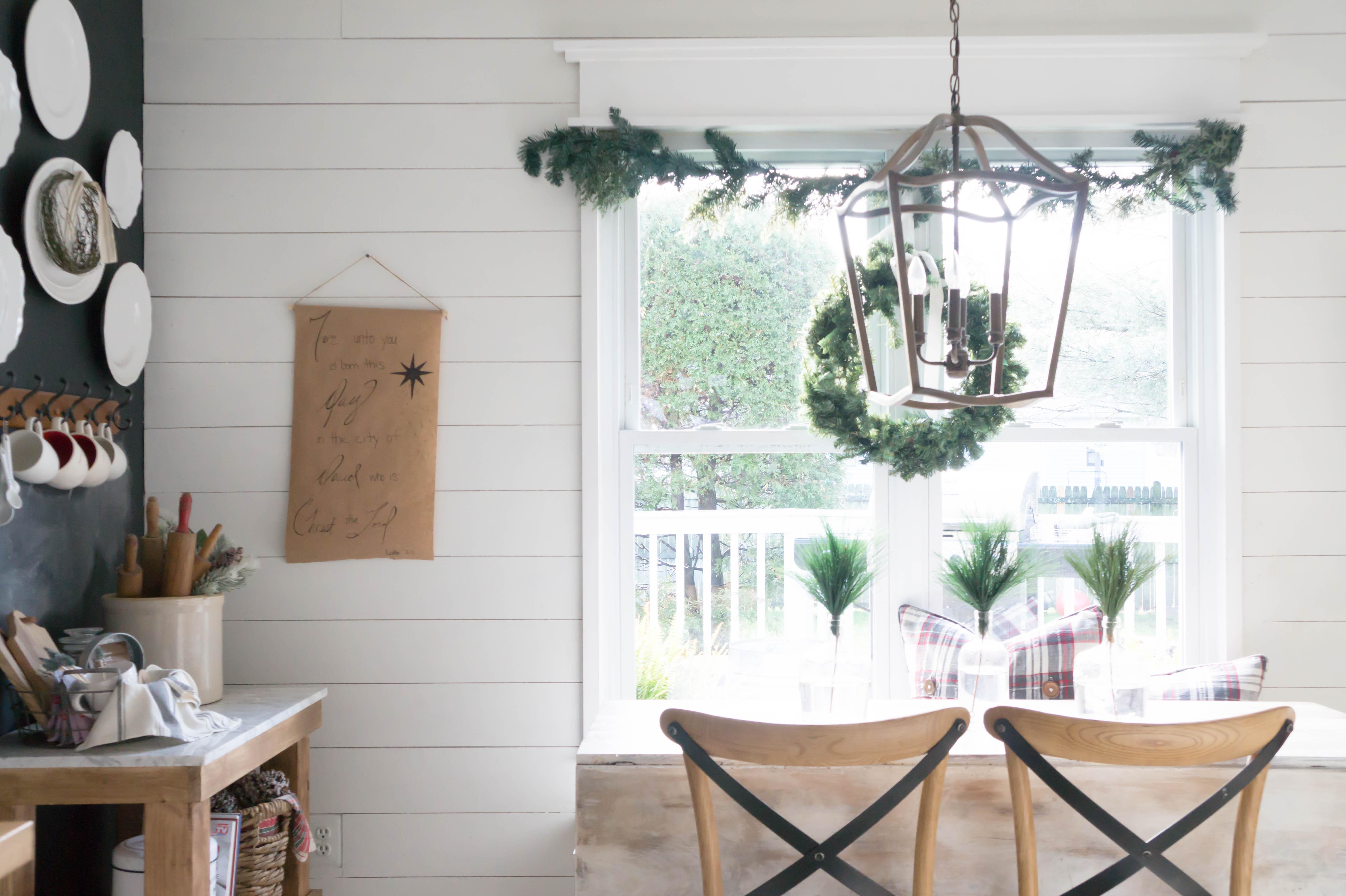 farmhouse-christmas-kitchen-1