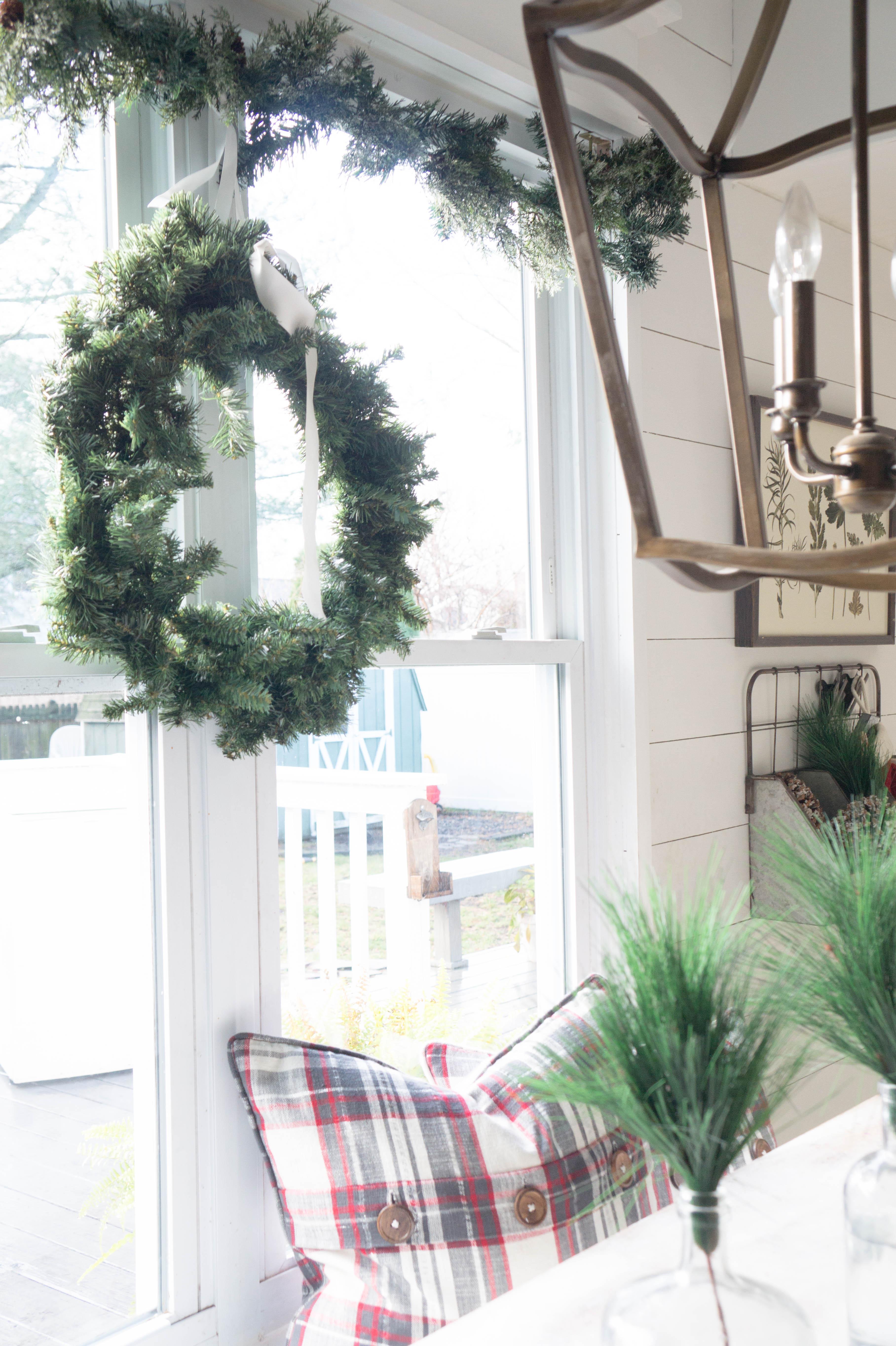 farmhouse-christmas-kitchen-1-3