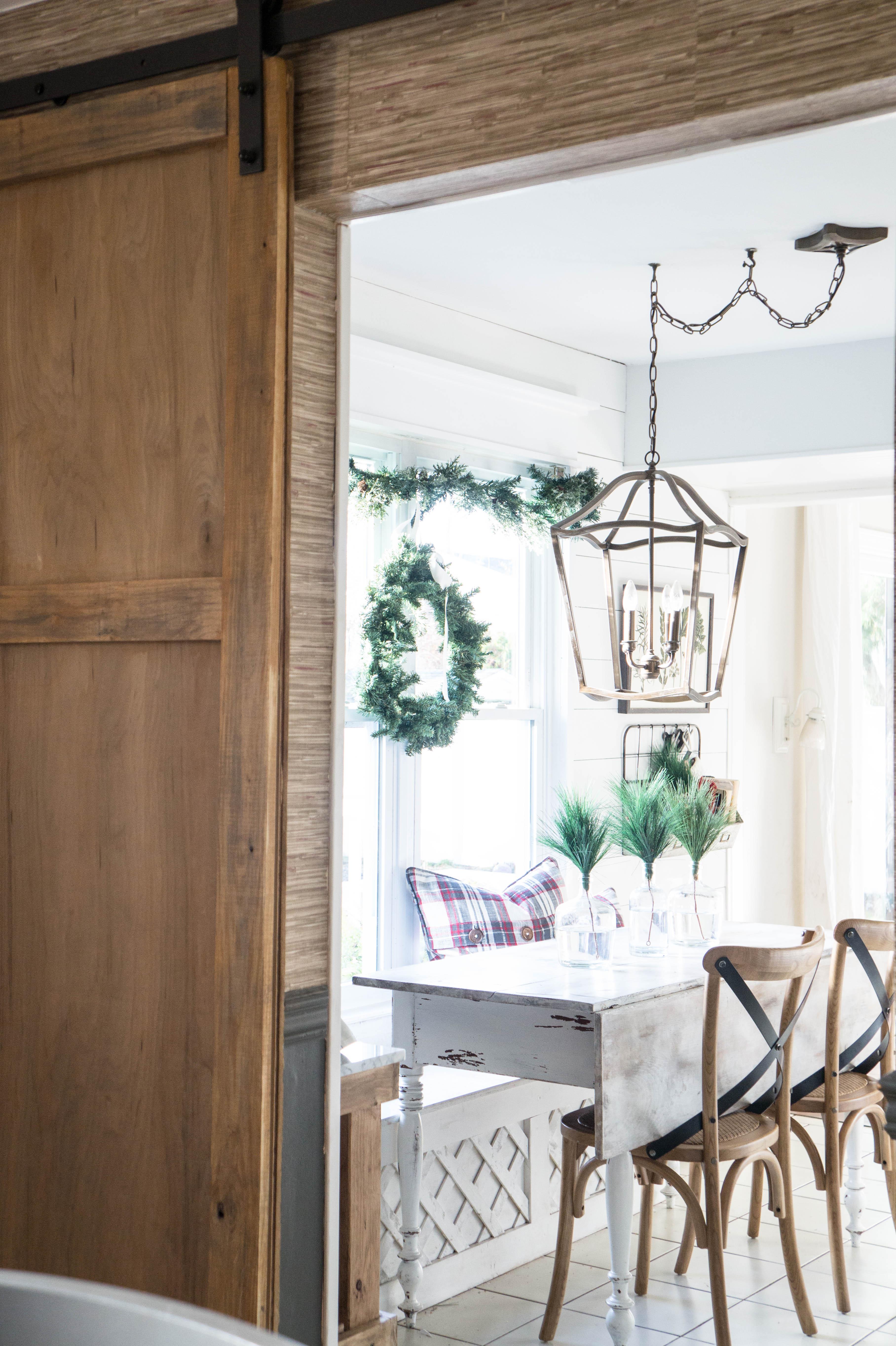 farmhouse-christmas-kitchen-14