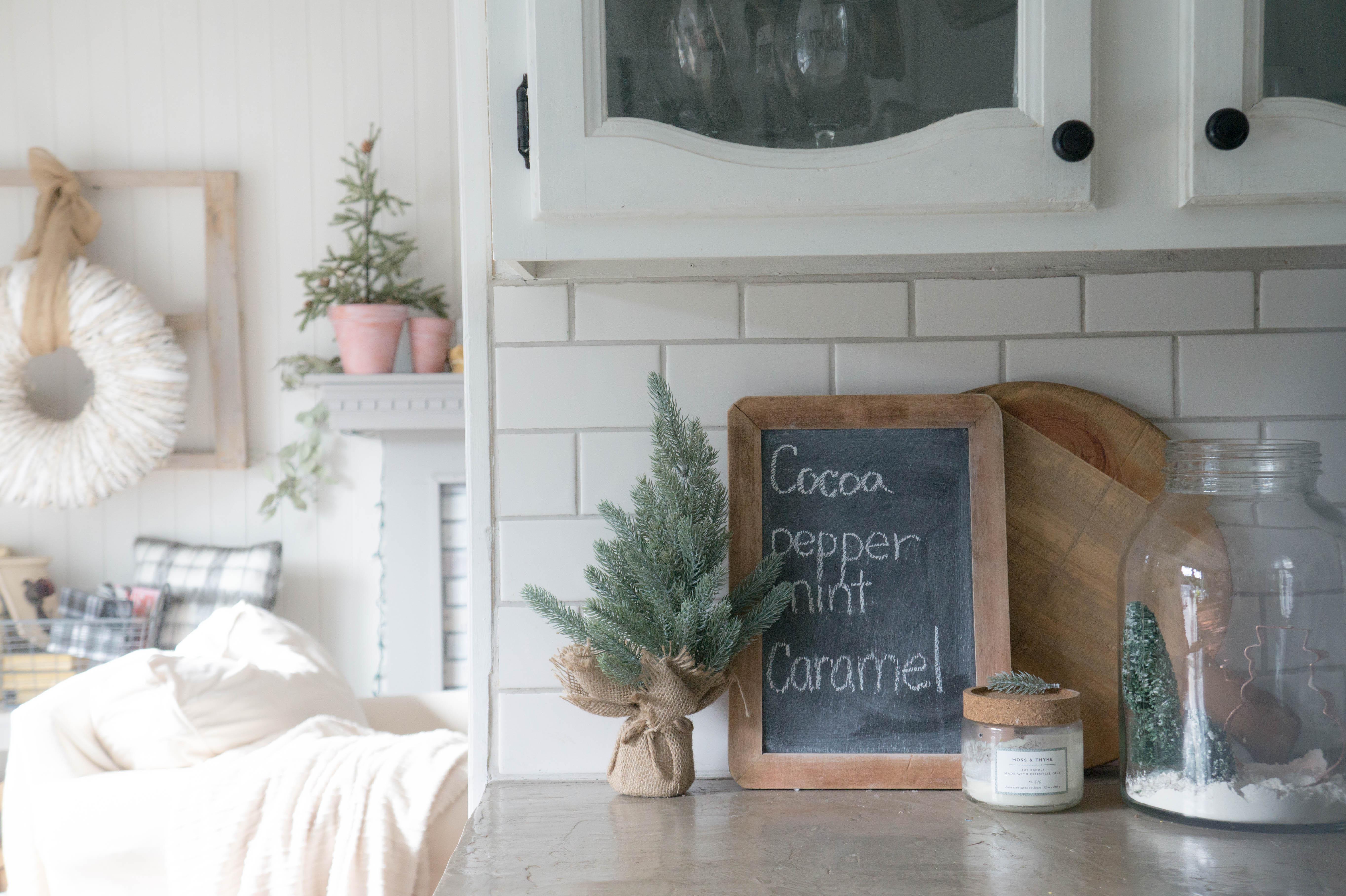 farmhouse-christmas-kitchen-20
