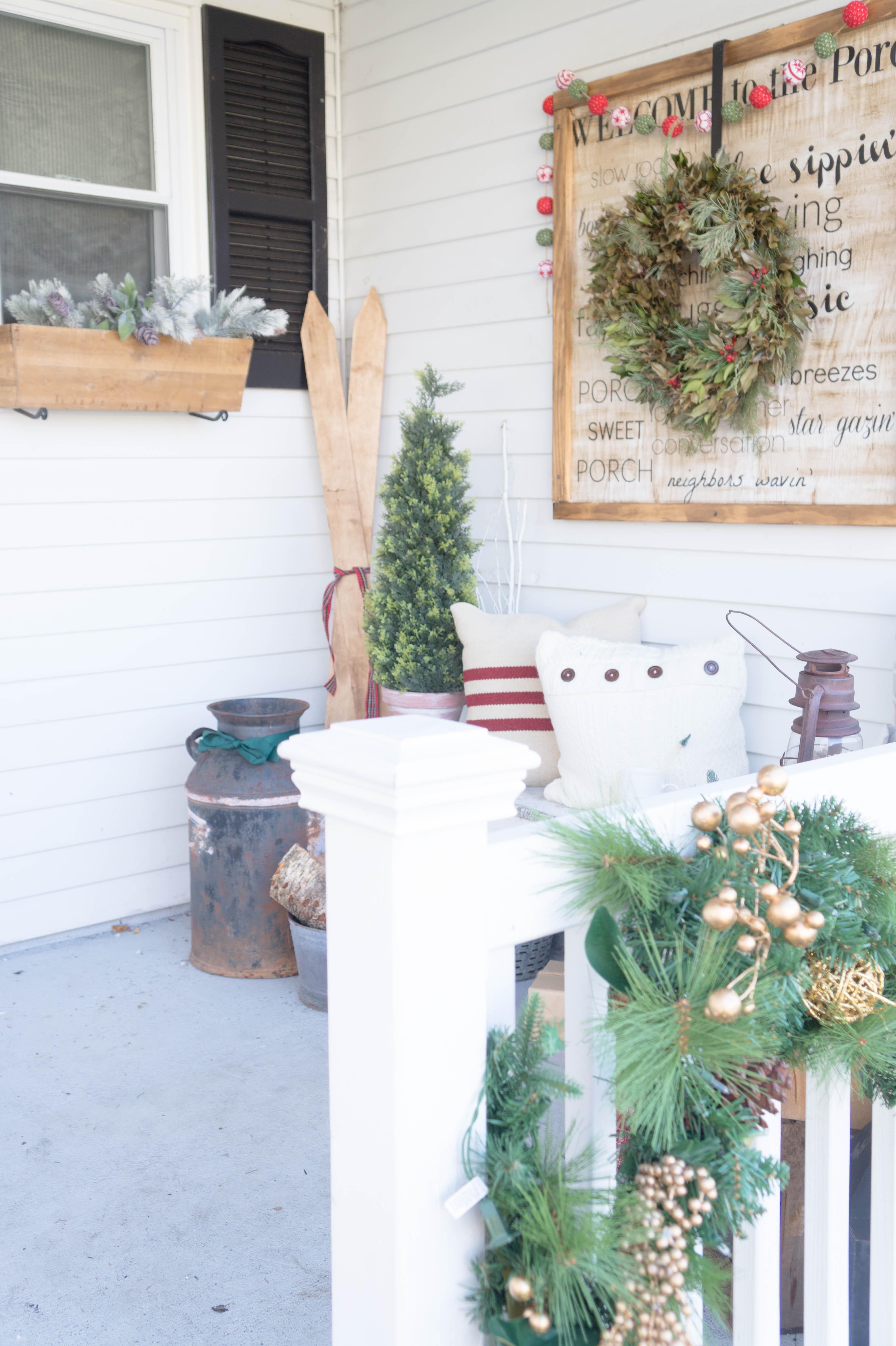 farmhouse-christmas-porch-13