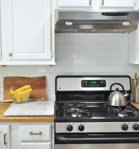 subway tile backsplash farmhouse kitchen