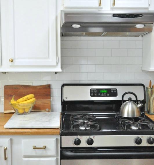 Top 10 Farmhouse Kitchens on a Budget - Seeking Lavendar Lane Cheap Kitchen Countertops on