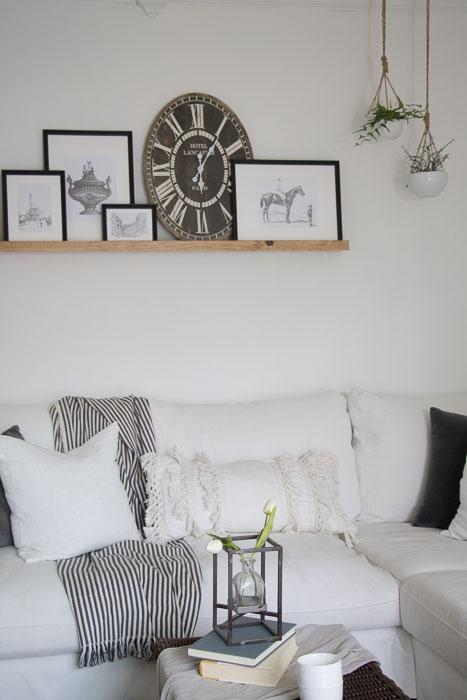 Vintage Cottage Living Room neutral decorating