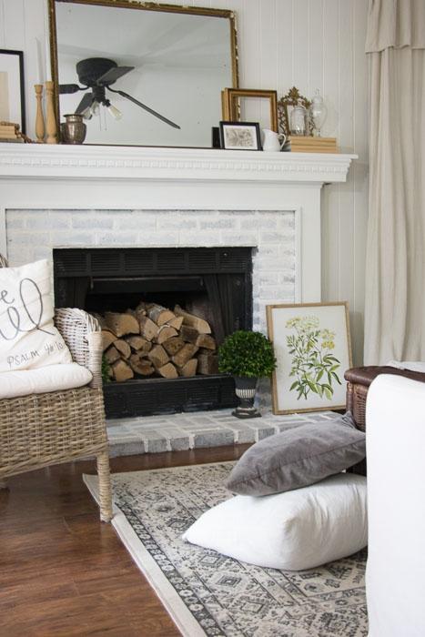 white neutral decor