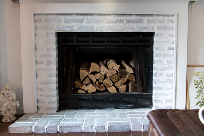 How to Get the Vintage Brick Fireplace Look - Seeking ...
