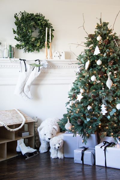 Green-Black-White-Christmas-Decor-5980