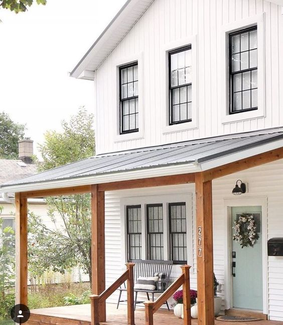 Top 10 white farmhouse exteriors seeking lavendar lane for Modern farmhouse windows