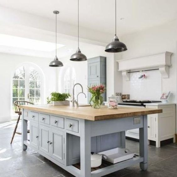 Farmhouse Kitchen Cabinets: Non-White Farmhouse Kitchens