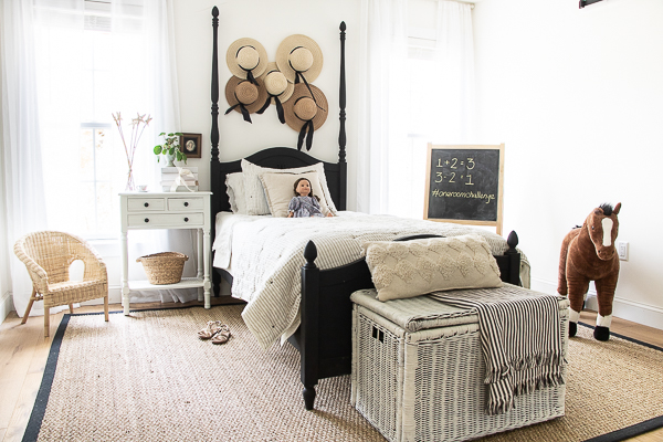 A Room Makeover without Painting the Walls - Seeking Lavendar Lane