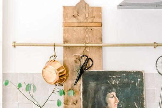 Rustic-European-kitchen-board